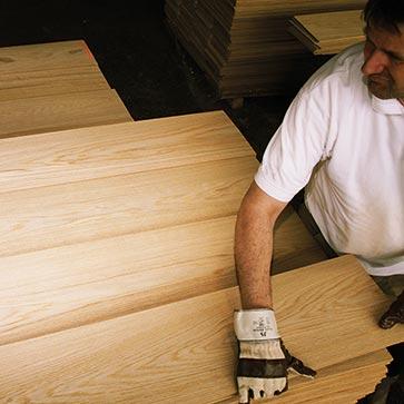Einzigartige_Massivholzplatten_